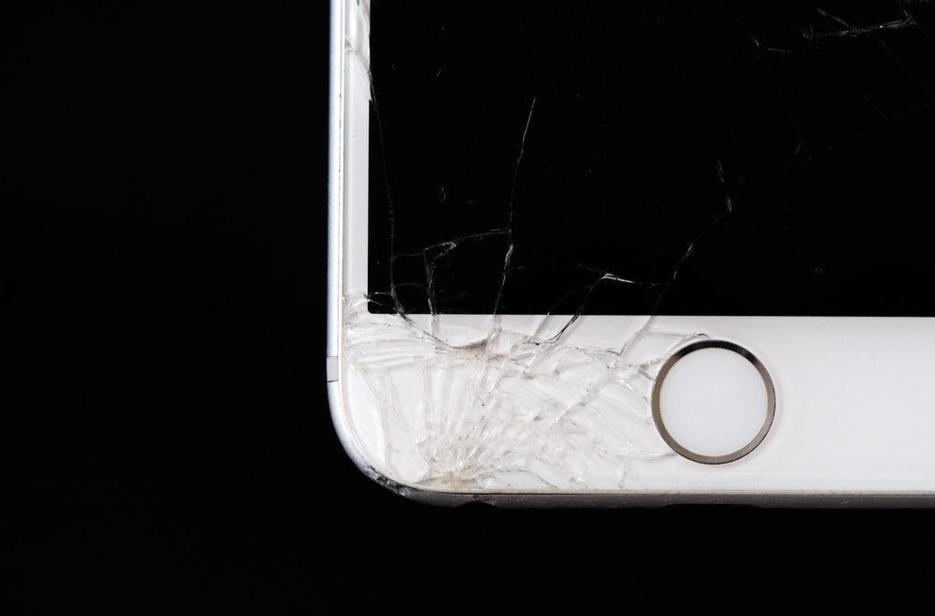 Why You Should Never Try and Fix Your Own Cellphone