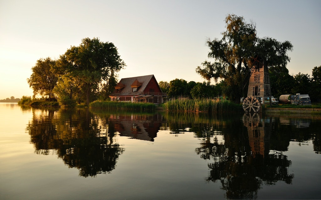 A Few Reasons Why Considering Lake Houses for Sale is a Good Idea